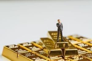 Lebih Untung Mana, Investasi Reksadana Apa Beli Emas?