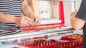 Trik Membeli Emas Dengan Harga Murah