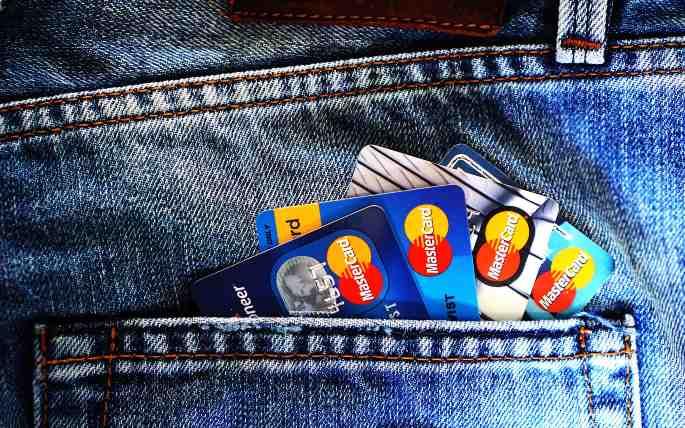 kartu kredit di kantong