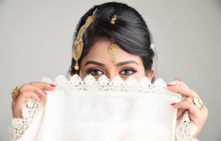 Panduan Membeli Perhiasan Emas Online yang Menguntungkan