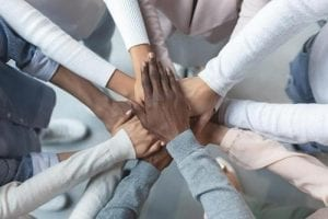 membangun kerjasama tim